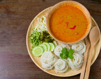 A aletria tailandesa do arroz, comida geralmente com surra Imagem de Stock Royalty Free