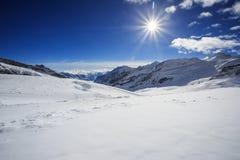 Aletsch glaciär i fjällängarna Royaltyfri Bild