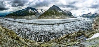 Aletschgletscher em Suíça no verão foto de stock royalty free