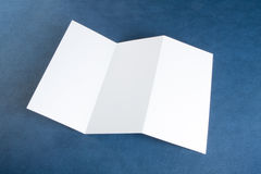 Aletta di filatoio di carta piegante bianca in bianco Fotografia Stock