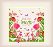 Aletta di filatoio di vendita della primavera - prato soleggiato con i fiori e la farfalla nell'erba Fotografie Stock
