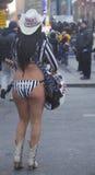 Alex, das nackte Cowgirl, unterhält die Menge im Times Square während der Woche des Super Bowl XLVIII in Manhattan Stockfotos
