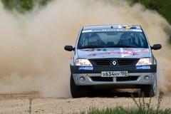 Alex Federov auf Renault Logan an der russischen Sammlung Lizenzfreies Stockfoto
