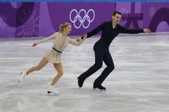 Alexa Scimeca Knierim und Chris Knierim der Vereinigten Staaten führen im Team Event Pair Skating Short-Programm durch Lizenzfreie Stockfotos