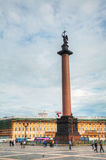 Alexander Column het Vierkant bij van het Paleis (Dvortsovaya) in St. Peter Royalty-vrije Stock Fotografie