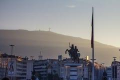 Alexander der Große-Statue auf Skopje-` s Hauptplatz Im Jahre 2012 eröffnet, wurde es einer der Marksteine der Stadt stockfotografie