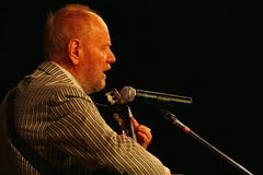 Alexander Dolsky on the Estrada theatre stage singing and reading poetry. Stock Images