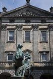 Alexander e statua di Bucephalus da Steell, camere della città su Roya Fotografie Stock Libere da Diritti