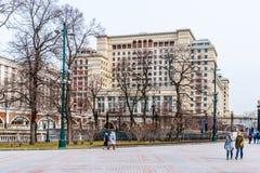 Alexander Garden e hotel de quatro estações Fotos de Stock Royalty Free