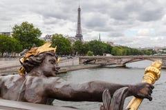 Alexander III överbryggar Paris Frankrike Arkivfoto