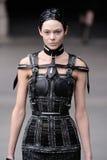 Alexander McQueen - settimana di modo di Parigi fotografia stock