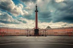 Alexander-Spalte in St Petersburg Stockfotografie
