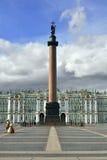 Alexander-Spalte und Winter-Palast, St Petersburg Lizenzfreies Stockbild