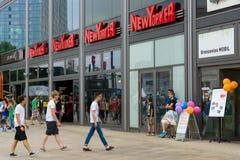 Alexanderplatz的精品店纽约人 免版税库存图片
