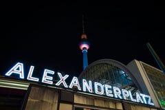 Alexanderplatz et tour de TV Photo libre de droits