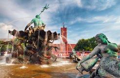 Alexanderplatz rzeźby szczegół Berlin, Niemcy, - Obraz Stock