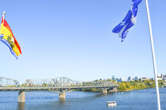 Alexandra Bridge tussen Ottawa Stock Fotografie