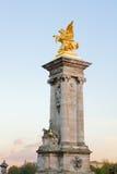 Alexandre III柱子,巴黎桥梁  免版税库存照片