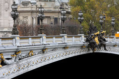 Alexandre III桥梁在巴黎 免版税库存照片