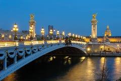Alexandre 3 most przy nocą Zdjęcia Royalty Free