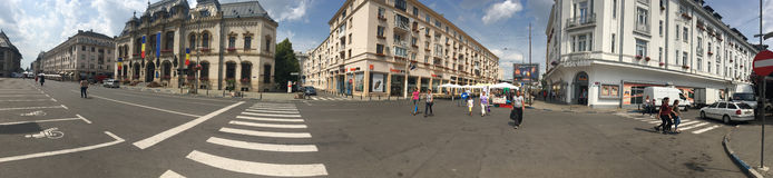 Alexandru Ioan Cuza街道全景,克拉约瓦,罗马尼亚 免版税图库摄影