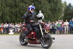Alexei Kalinin Moto show i Verkhovazhye, Vologda region, Ryssland Arkivfoton