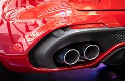 Alfa metálico vermelho Romeo Stelvio do carro da cor fotos de stock