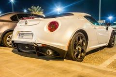 Alfa Romeo 4C kupé i Abu Dhabi Fotografering för Bildbyråer