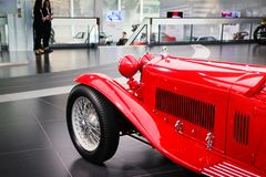Alfa Romeo 8C 2300 Mille Miglia model na pokazie przy Dziejowym Muzealnym Alfa Romeo Obrazy Royalty Free