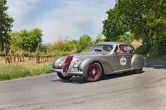 Alfa Romeo 6C 2500 SS (1939) fonctionne en Mille Miglia 2014 Image libre de droits