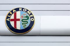 Alfa Romeo-embleem op een muur Royalty-vrije Stock Foto