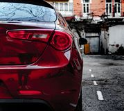 Alfa Romeo Giuletta, koloru zmrok - czerwień myjąca i polerująca, fotografia royalty free