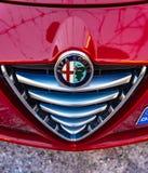 Alfa romeo Giuletta, obscuridade da cor - vermelha, lavada e lustrada imagem de stock