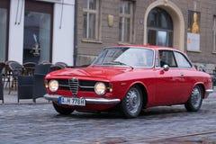 Alfa Romeo GT 1300 yngre oldtimerbil Arkivbild
