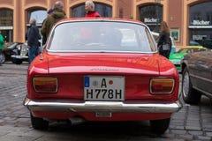 Alfa Romeo GT 1300 yngre oldtimerbil Arkivfoto