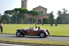 Alfa Romeo rojo 4 R participa a la carrera de coches clásica del GP Nuvolari el 21 de septiembre de 2014 en Sant'Apollinare en Cl Imagen de archivo libre de regalías