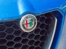 Alfa Romeo samochodu emblemat zdjęcia royalty free