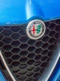Alfa Romeo samochodu emblemat zdjęcie stock