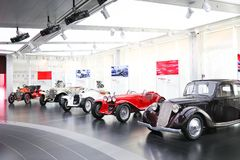 Alfa Romeo samolotowi silniki na pokazie przy Dziejowym Muzealnym Alfa Romeo obrazy stock