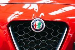 Alfa Romeo Sign Close Up View no carro Front Grill fotografia de stock royalty free