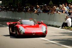 Alfa Romeo 33 Stradale en la bandera 2017 de la plata de Vernasca Fotos de archivo libres de regalías