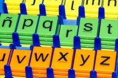 Alfabet: färgglat Arkivfoto