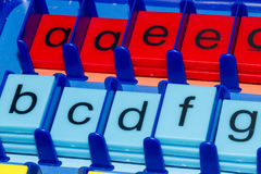 Alfabet: färgglat Arkivbild