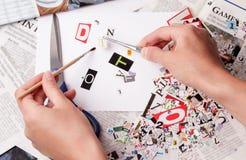 Alfabet för tidningsurklipp med bokstäver royaltyfri bild