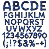 Alfabet, letters, getallen en tekens van blauw doekgeruit schots wollen stof Geïsoleerde vectorvoorwerpen royalty-vrije illustratie