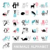 Alfabet med gulliga tecknad filmdjur Björn raring, räv, elefant, apa, tvättbjörn i endragen stil vektor illustrationer