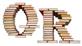 Alfabet som göras ut ur böcker, bokstäver Q och R Royaltyfria Foton