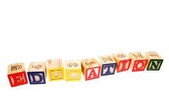 alfabetblock som lärer Arkivbild