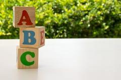 Alfabetet blockerar abc:et Arkivfoton