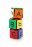 alfabetet blockerar färgrikt Arkivbild